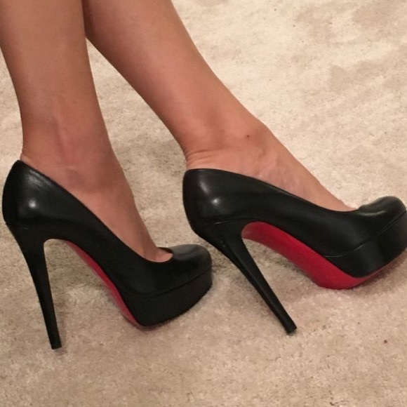 cheaper 6c7c7 76a86 Christian louboutin Bianca black pumps.